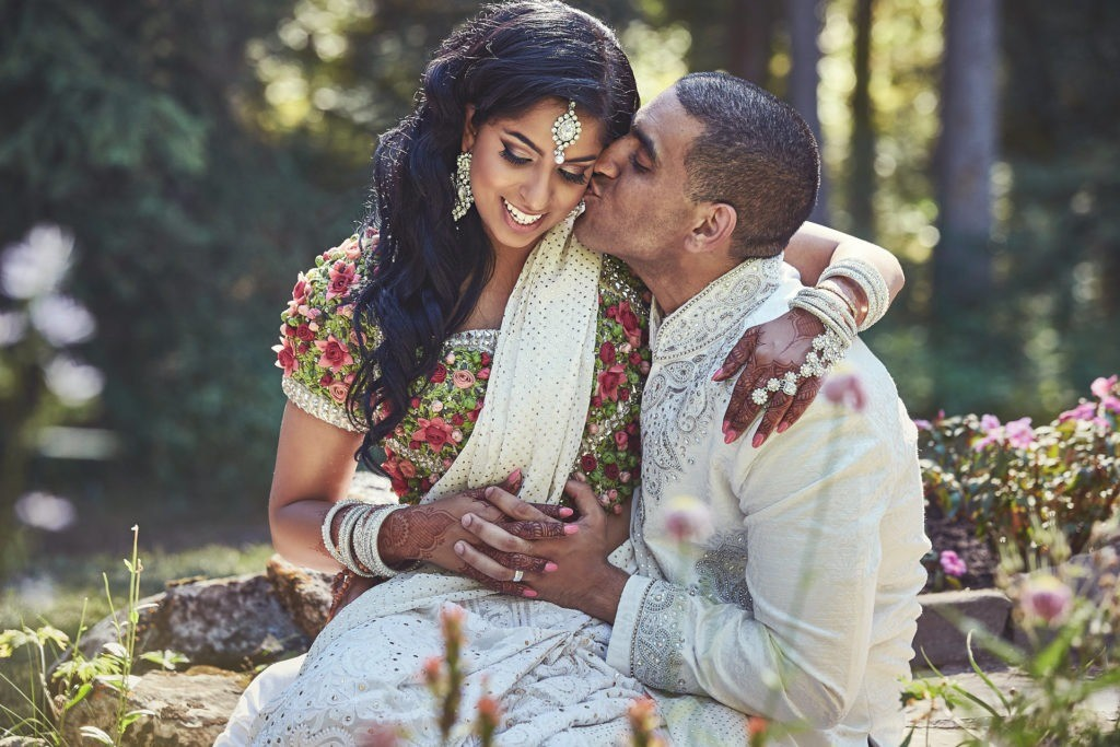 book wedding photographer